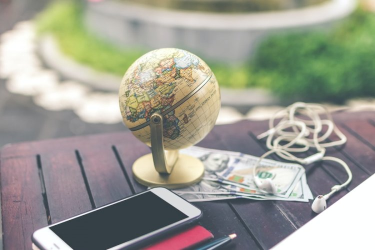 How travel agencies and travel agents make money